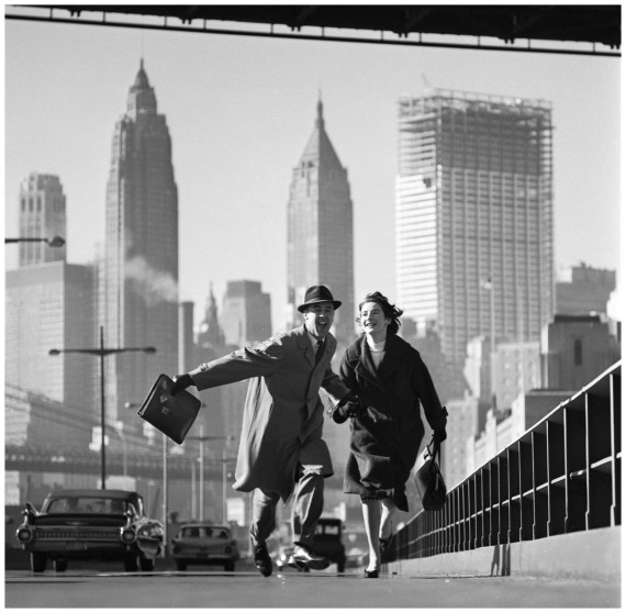 photo-norman-parkinson-new-york-new-york-pippa-diggle-and-robin-miller-parkinsons-neighbours-in-new-york-east-river-drive-new-york1960